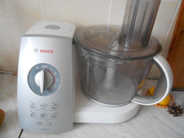 Кухонный комбайн Bosh, вы никогда не пожалеете что его купили - он умеет все!