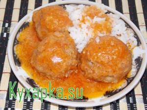 Готовим в духовке тефтели мясные с рисом под соусом