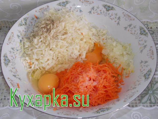 Котлеты капустные в соусе