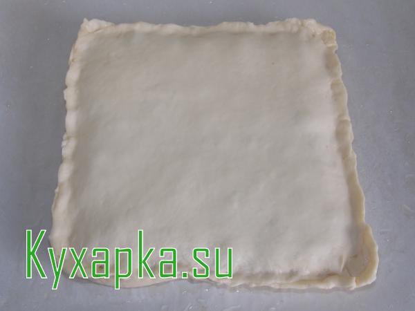 Слоеный пирог с фаршем