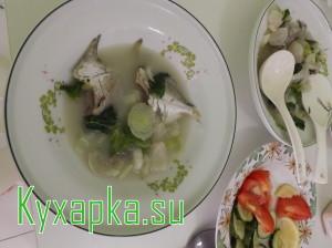 Китайский рыбный суп с пак чой